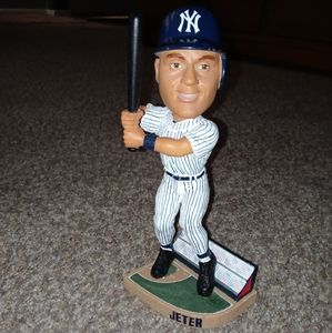 Pre-owned Derek jeter forever collectibles bobble